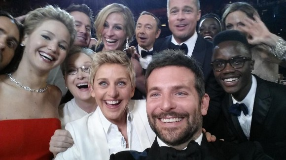 ellen-oscar-celebrity-selfie
